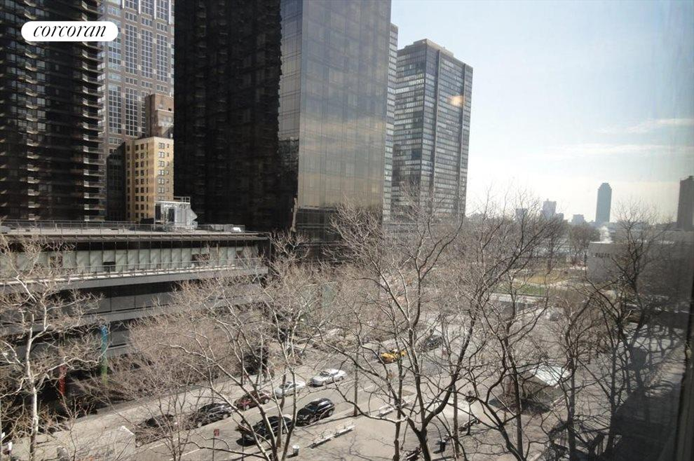 New York City Real Estate | View 333 East 46th Street, #7K | room 1
