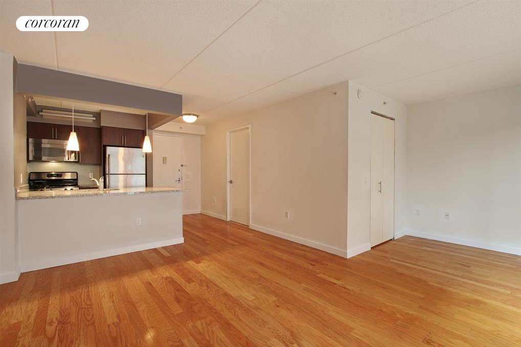 555 West 23rd Street, N5C, Living Room