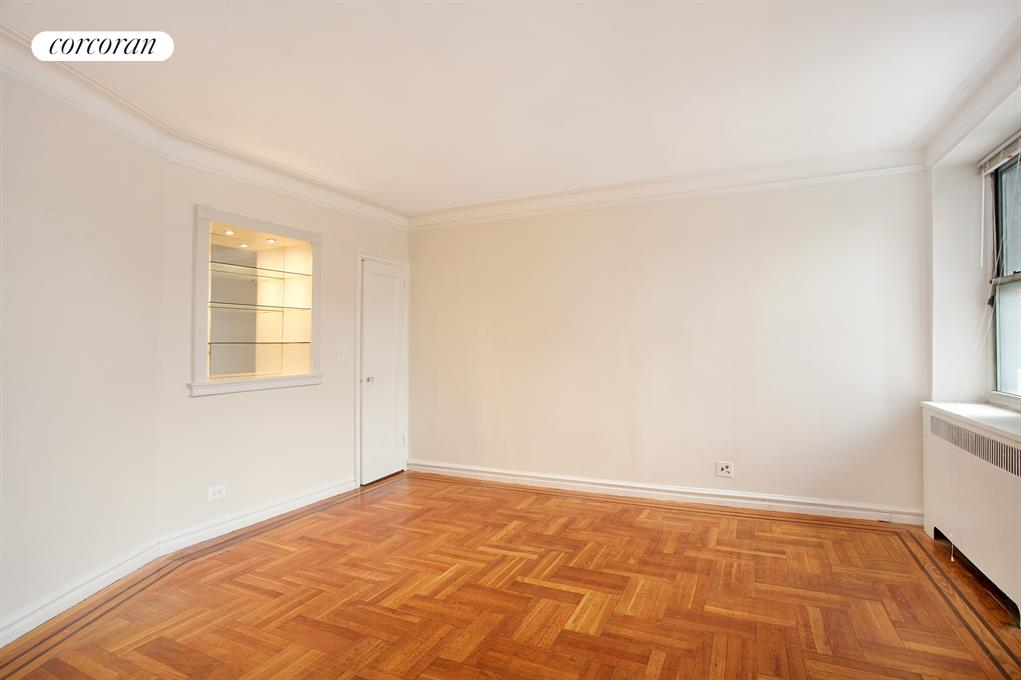 585 West 214th Street, 1A, Living Room