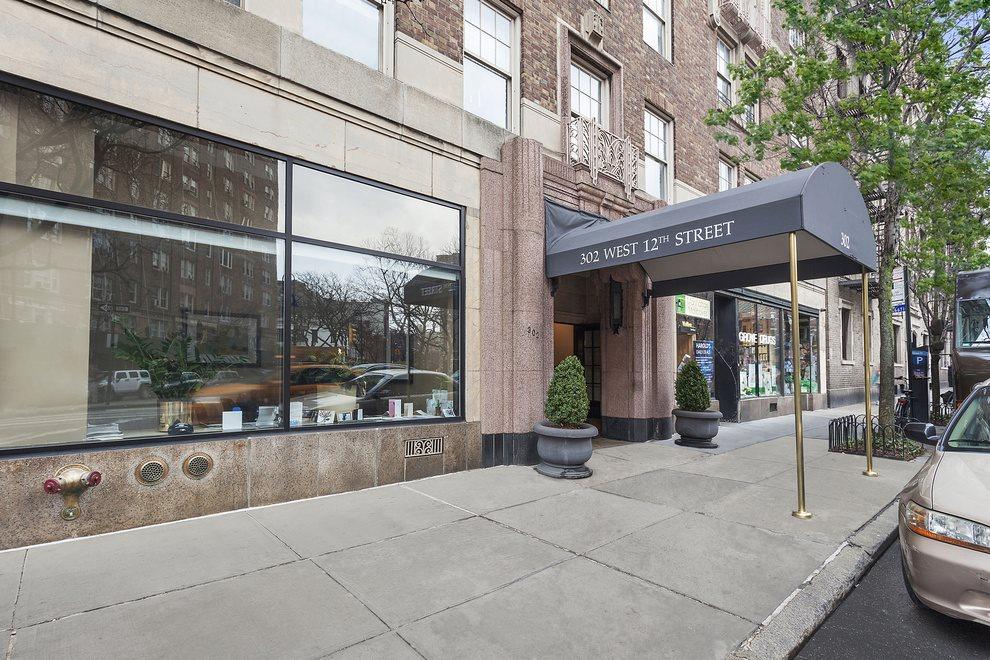 Entrance 302 West 12th Street