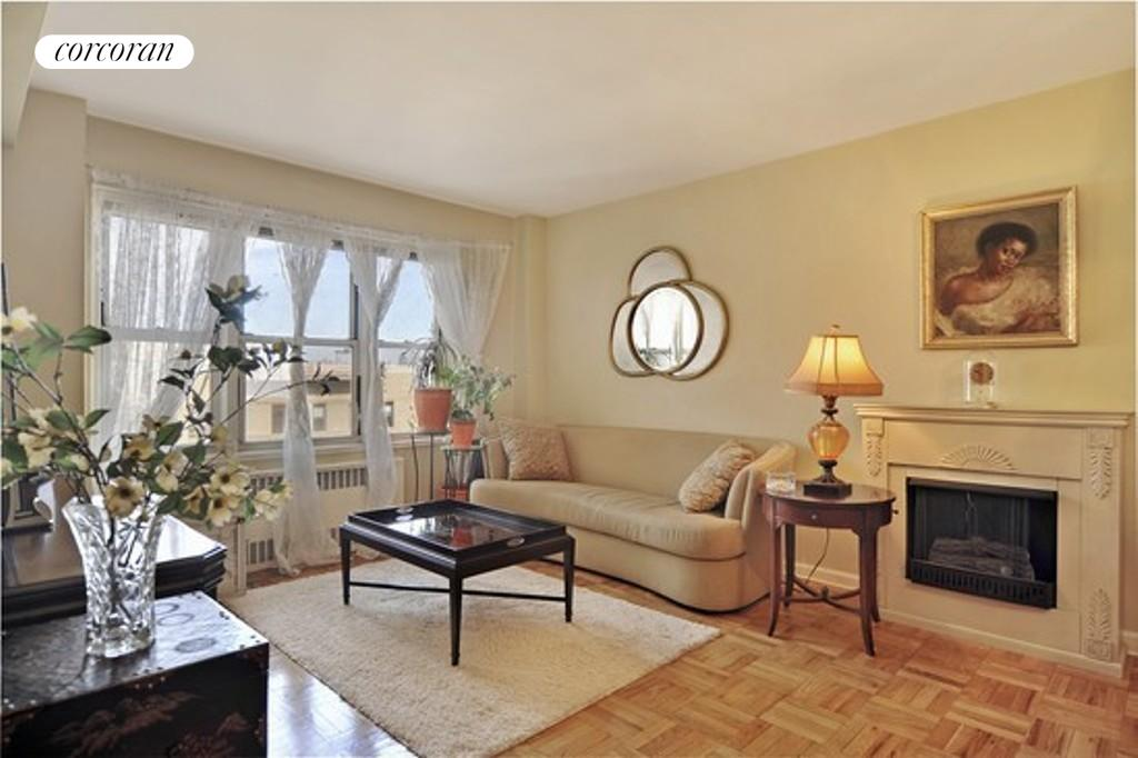 34 Plaza Street East, 705, Living Room