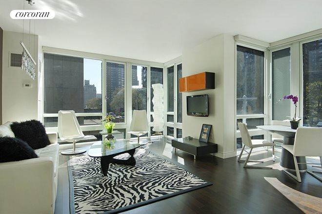 261 West 28th Street, 2B, Living Room