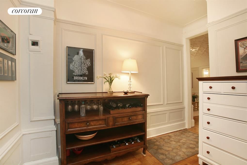 200 West 54th Street, 5B, Gracious Foyer