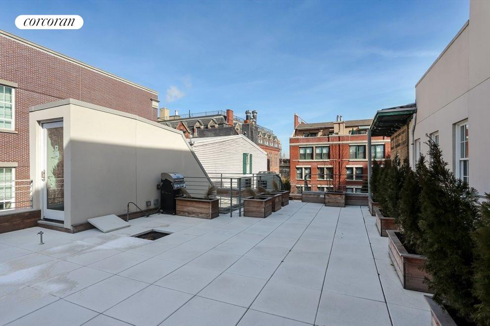 Roofdeck with Views