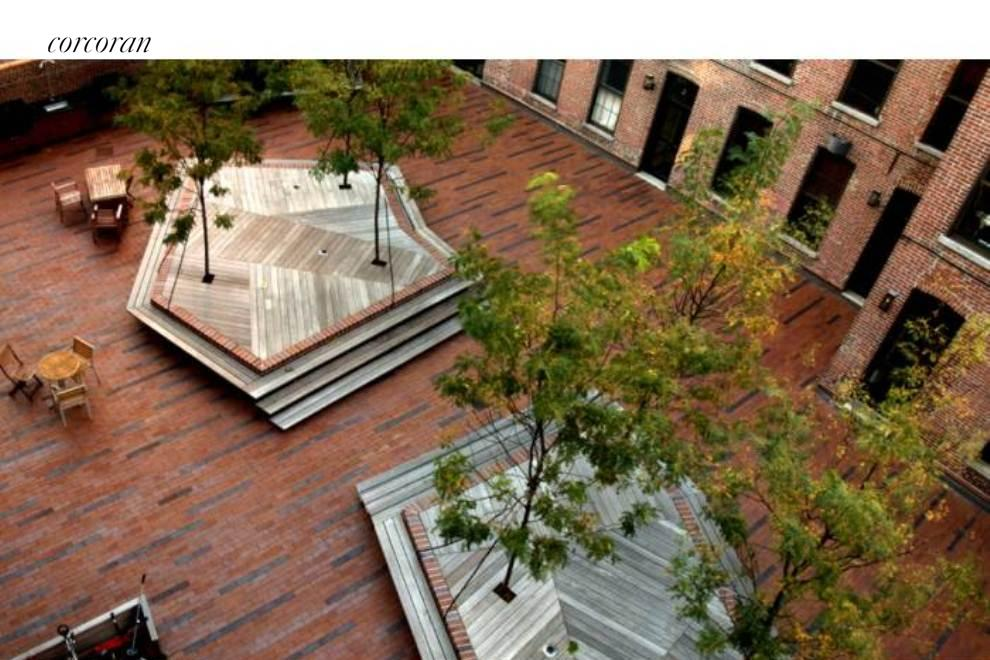 560 State Street, 7D, Outdoor Space