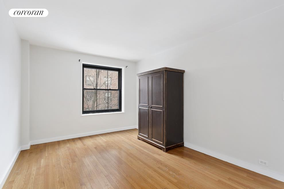 345 Clinton Avenue, 3b, Living Room