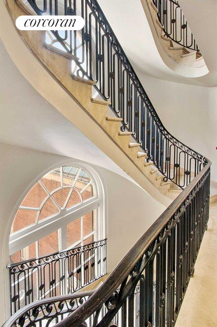 Oval Stair