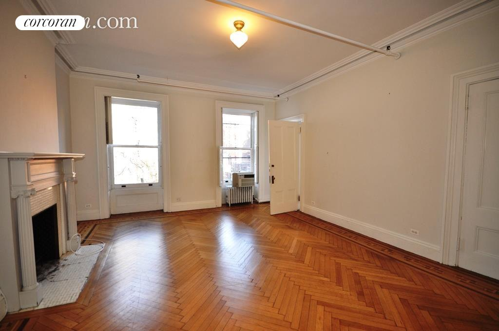15 Pierrepont Street, 5, Living Room