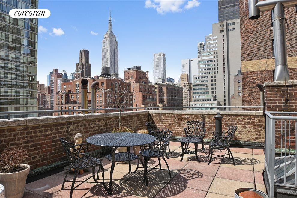 Common roof patio