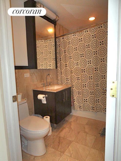2nd Full Bathroom with Tub
