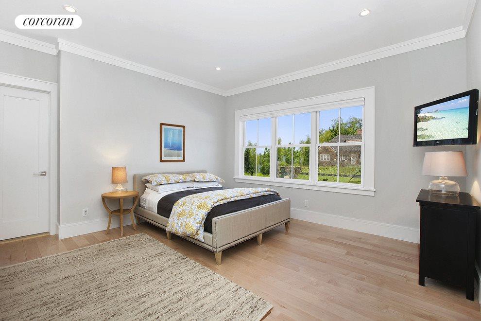 Guest Bedroom 1st Floor