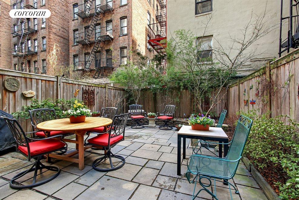 800sf Private Landscaped Back Yard