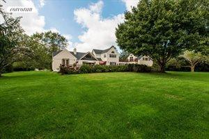 69 Old Barn Lane, Sagaponack