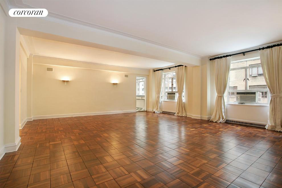 25 Central Park West, 9AD, Sprawling 24' x 22' loft-like living/dining room