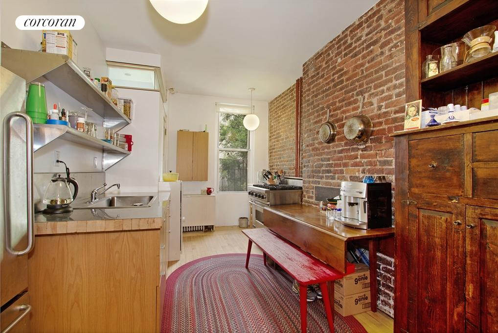 625 East 6th Street, 2, Kitchen