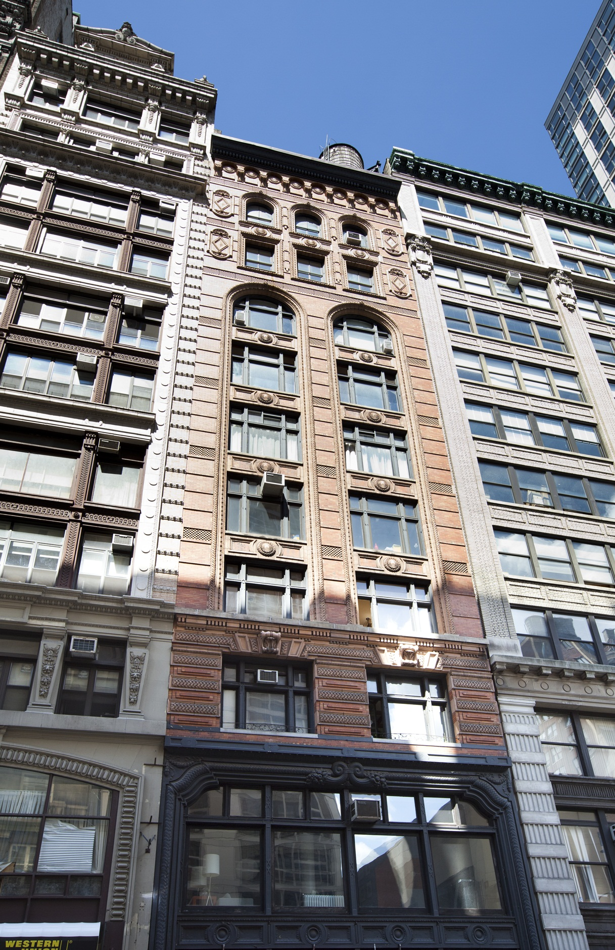 Corcoran 31 west 31st street apt 9 fl flatiron real for 111 8th ave 7th floor new york ny 10011
