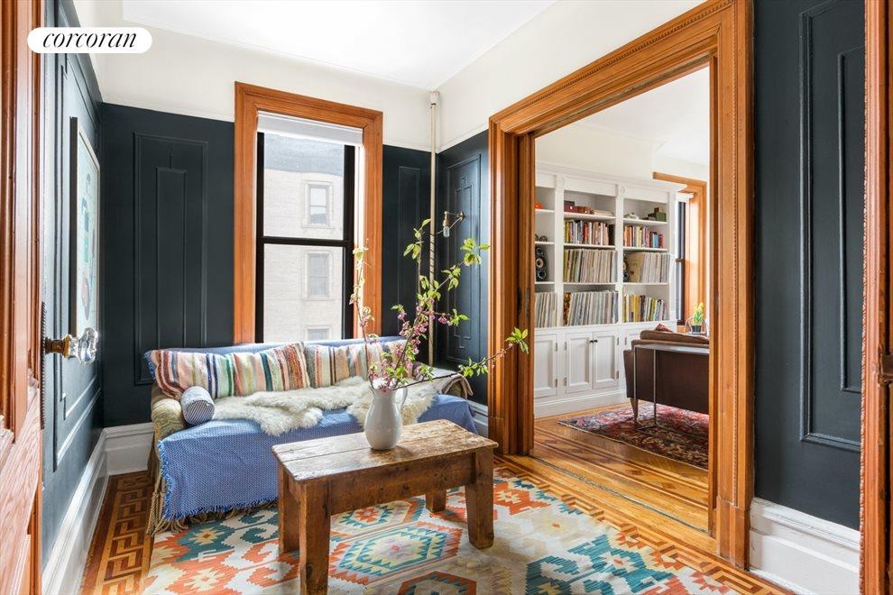 Flex third bed w/ original moldings + pocket doors