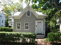 136 Madison Street (2nd fl apartment), Sag Harbor