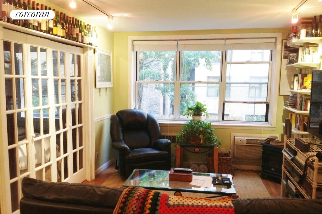 336 East 50th Street, 1B, Large living room