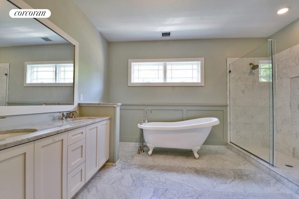 Oversized master bath with soaking tub