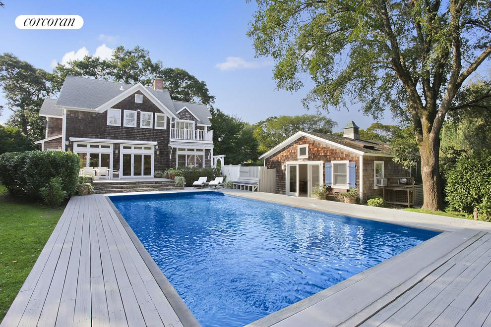 16 Hempstead Street, Pool and pool house
