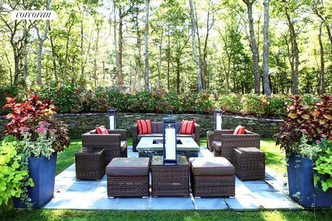 1290 Sagg Road, Landscape perfection