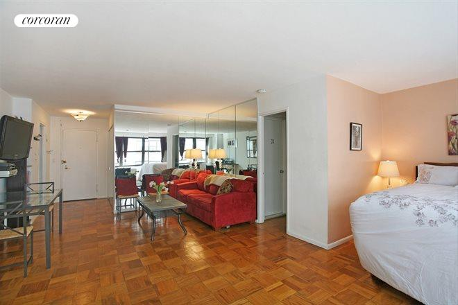 225 East 57th Street, 9Q, Living Room