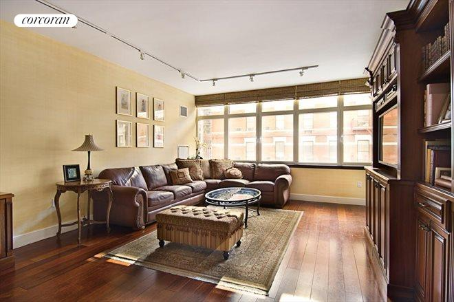 181 East 90th Street, 4B, Living Room