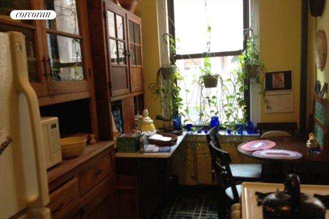 414 West 121st Street, 36, Windowed Eat-in-Kitchen
