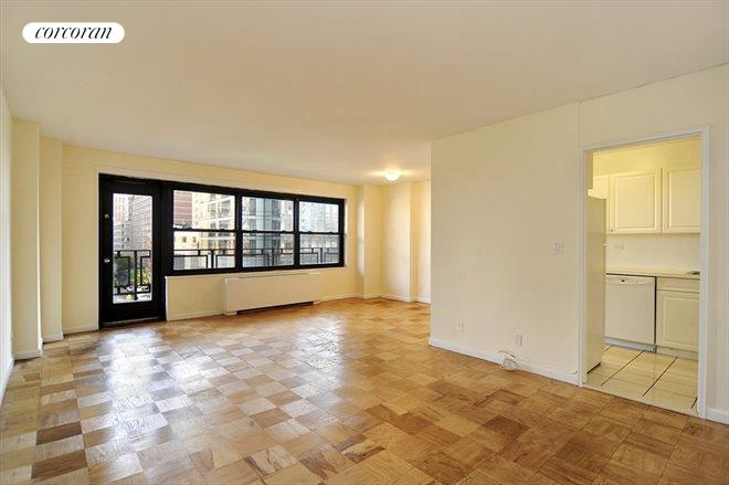 160 West End Avenue, 7B, Living Room