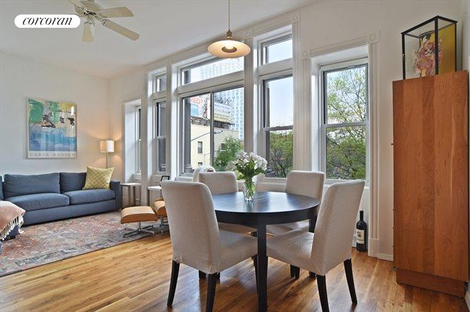 85 6th Avenue, F, Gracious dining...