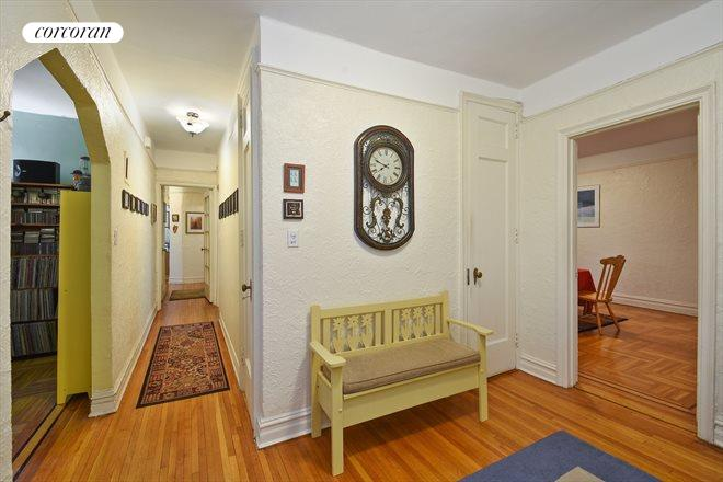 145 95th Street, E2, Foyer