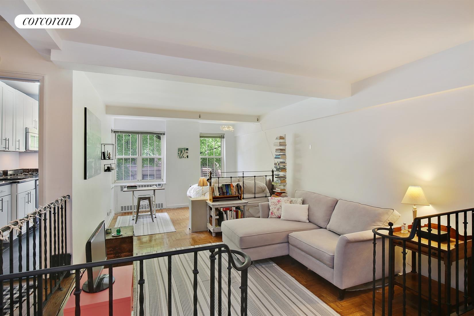 320 West 76th Street, 2E, Over-sized layout, flexible floor plan