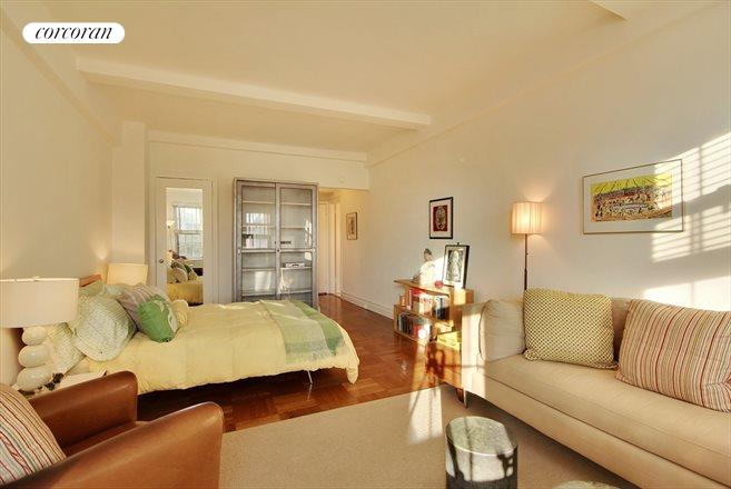 24 Fifth Avenue, 804, Living Room