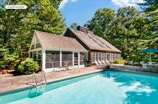8 White Pine Road, East Hampton