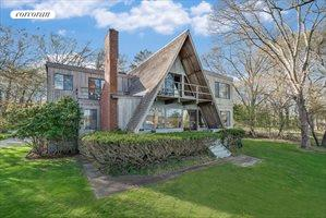 East Hampton Waterfront Gem, East Hampton