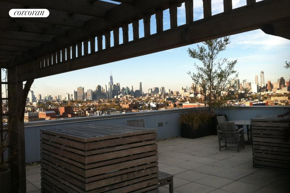 251 7th Street, 8B, Outdoor Space