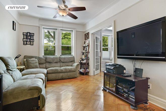 637 41st Street 1B Living Room