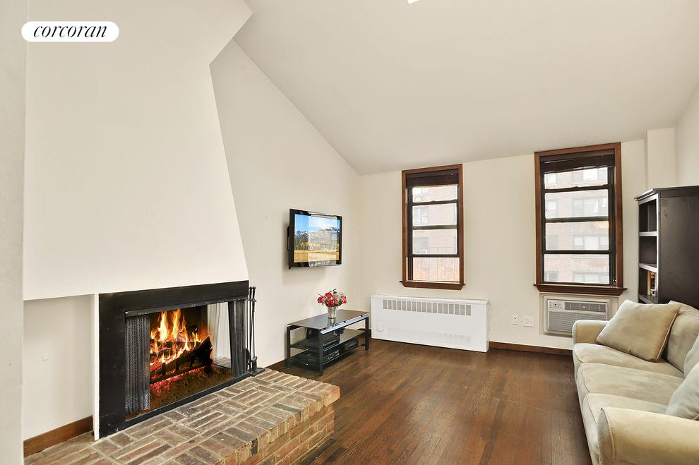 425 East 78th Street, Apt. 6G