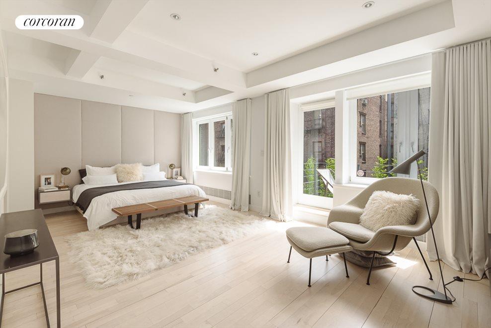 22 Foot Master Bedroom Suite
