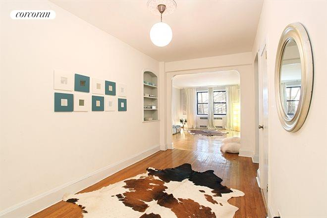 221 East 18th Street, 2E, Gracious foyer...