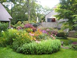 Minutes From East Hampton, a Cool, Calm and Quiet Retreat, East Hampton
