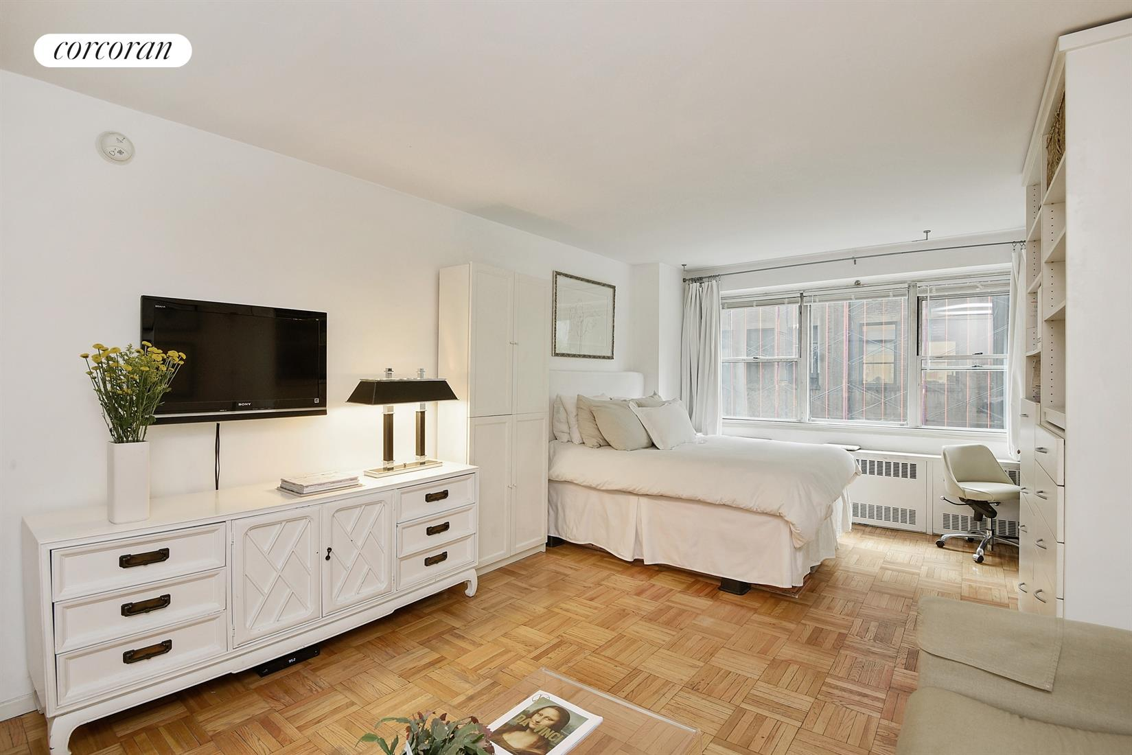 430 West 34th Street, 4L, Living Room