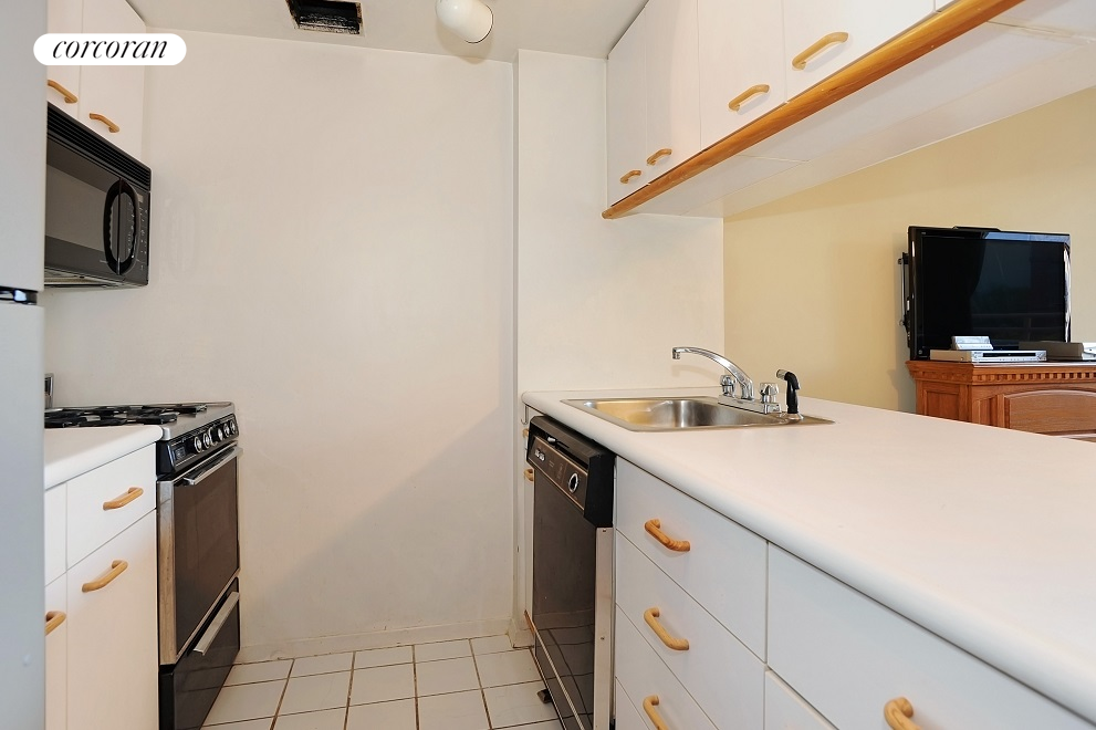 Corcoran 393 West 49th Street Apt 5u Clinton Rentals