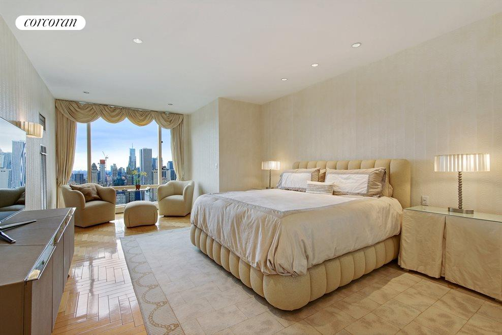 Spacious Master Bedroom Overlooking Central Park