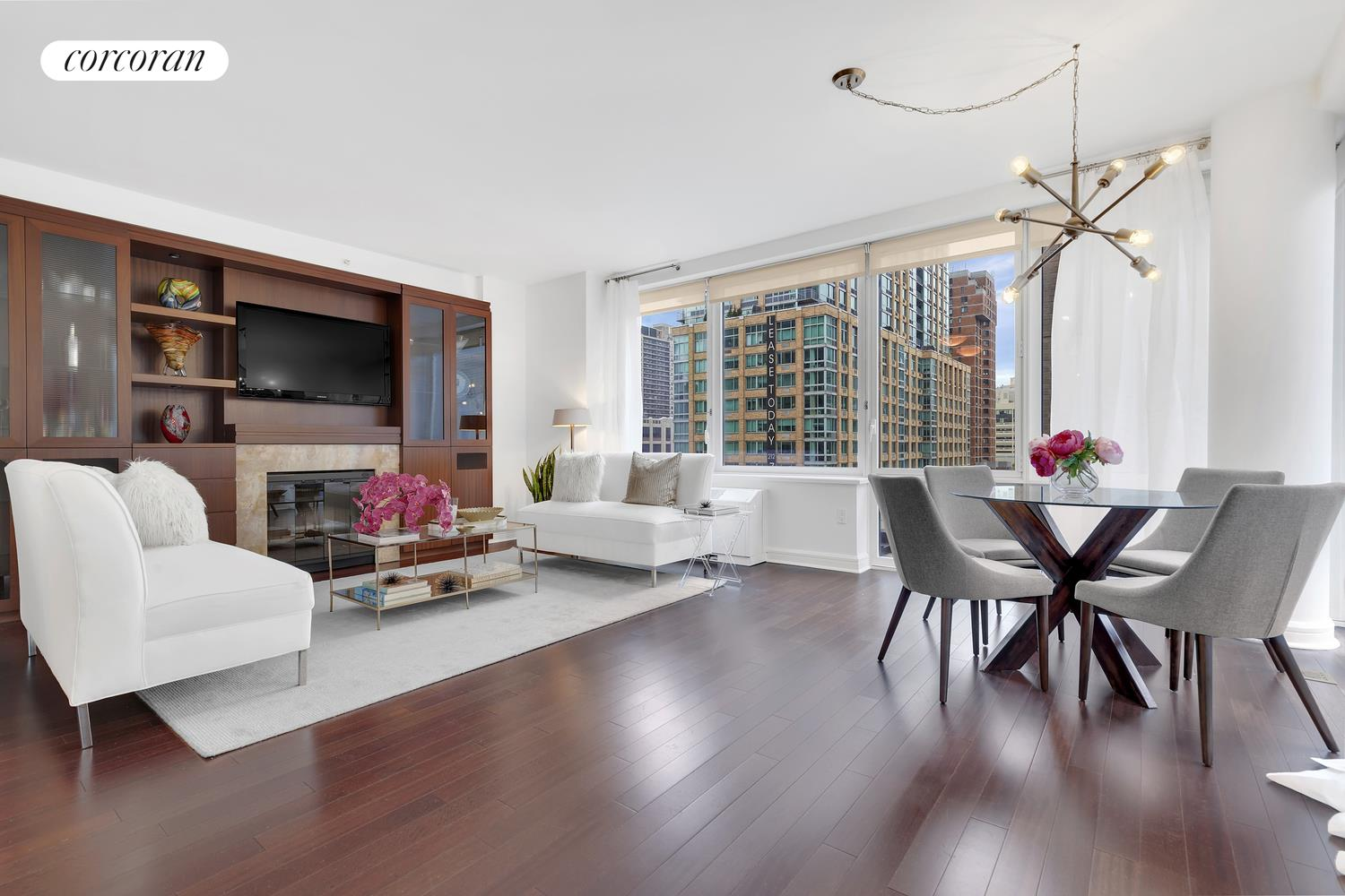 80 Riverside Blvd, 9E, Living Room