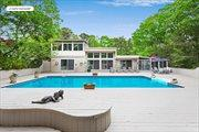 32 Fox Hollow Drive, East Quogue