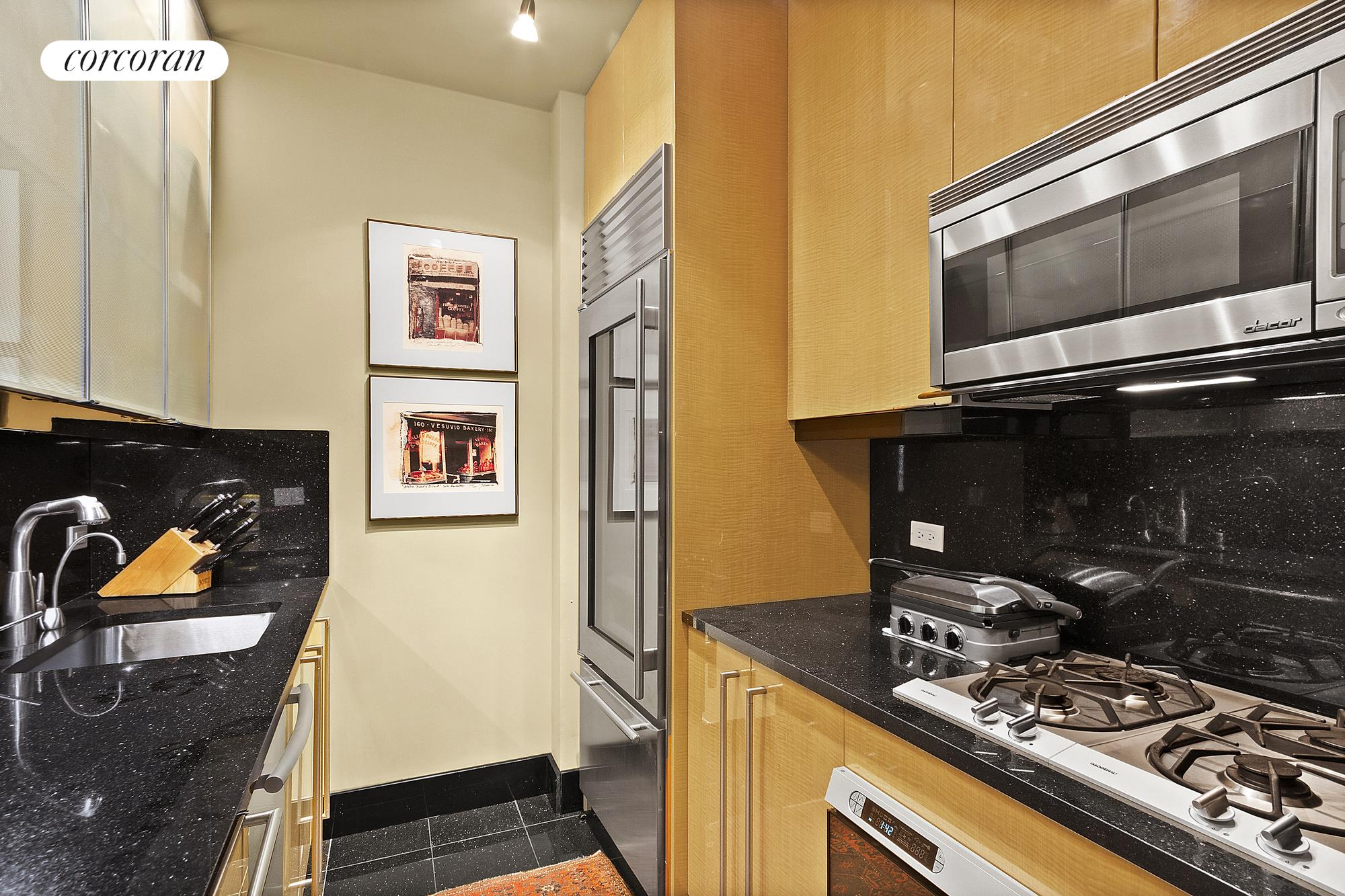 141 West 13th Street, 104, Wood burning fireplace