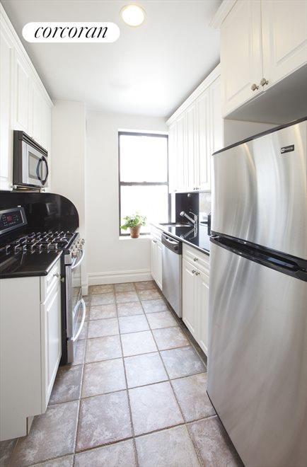 Fully renovated w/stainless and granite counters