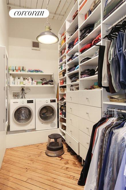 Walk-in Closet with Washer/Dryer